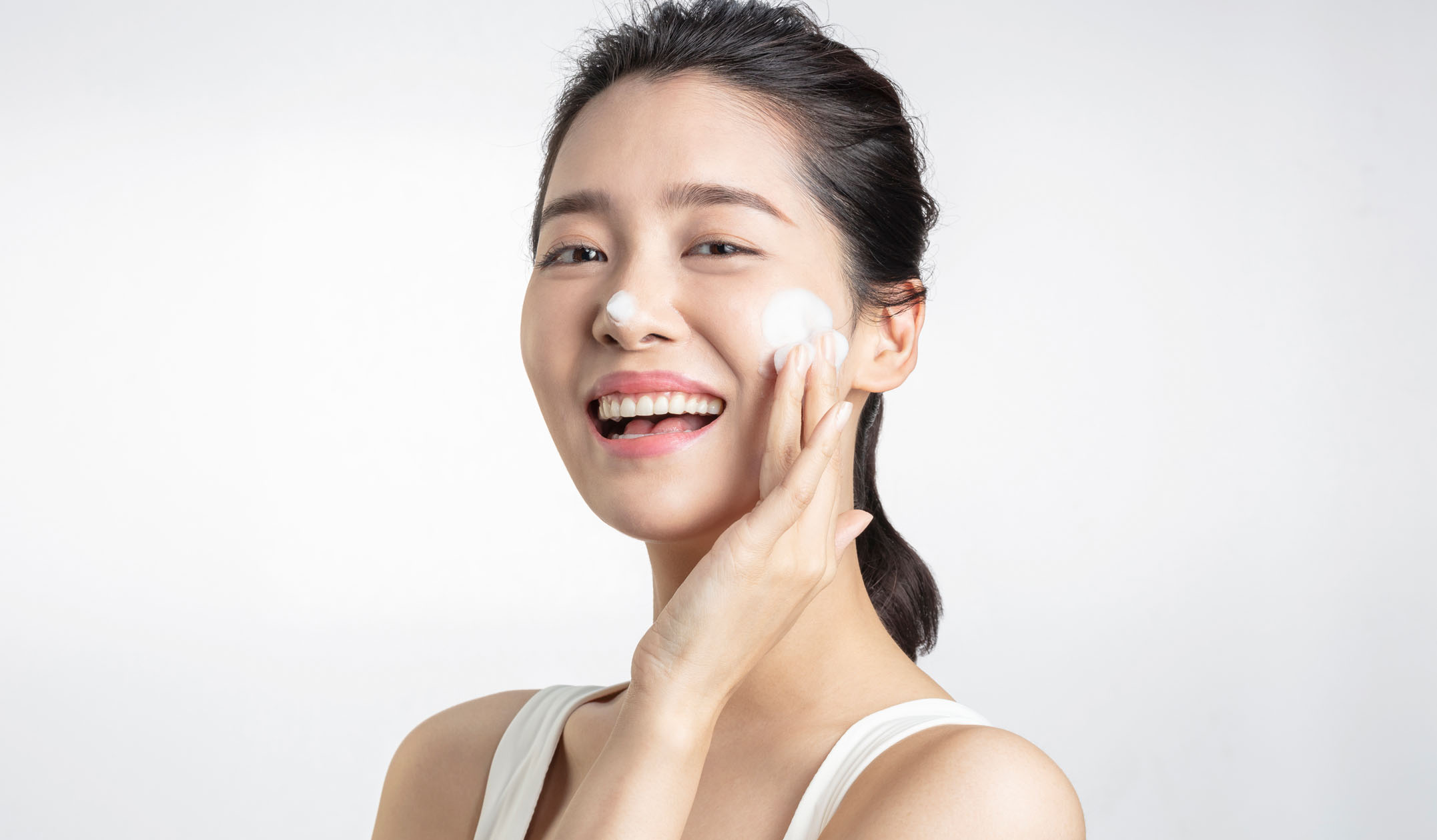 dermatologists-reveal-desktop-hero-image.jpg