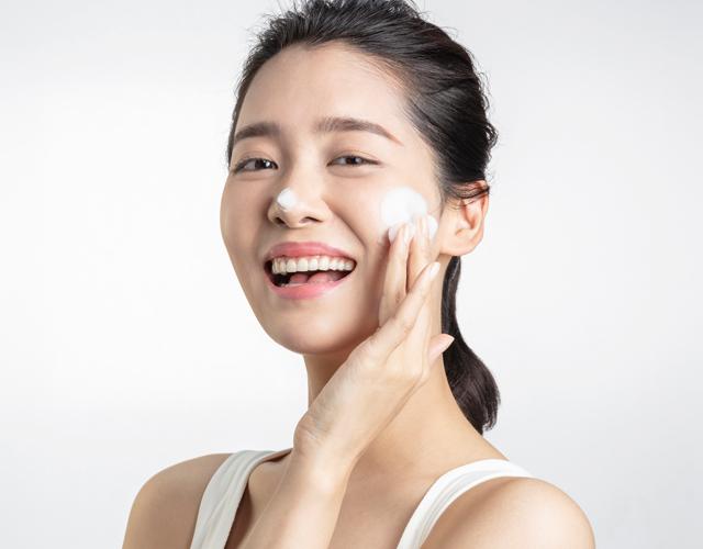 dermatologists-reveal-mobile-hero-image.jpg